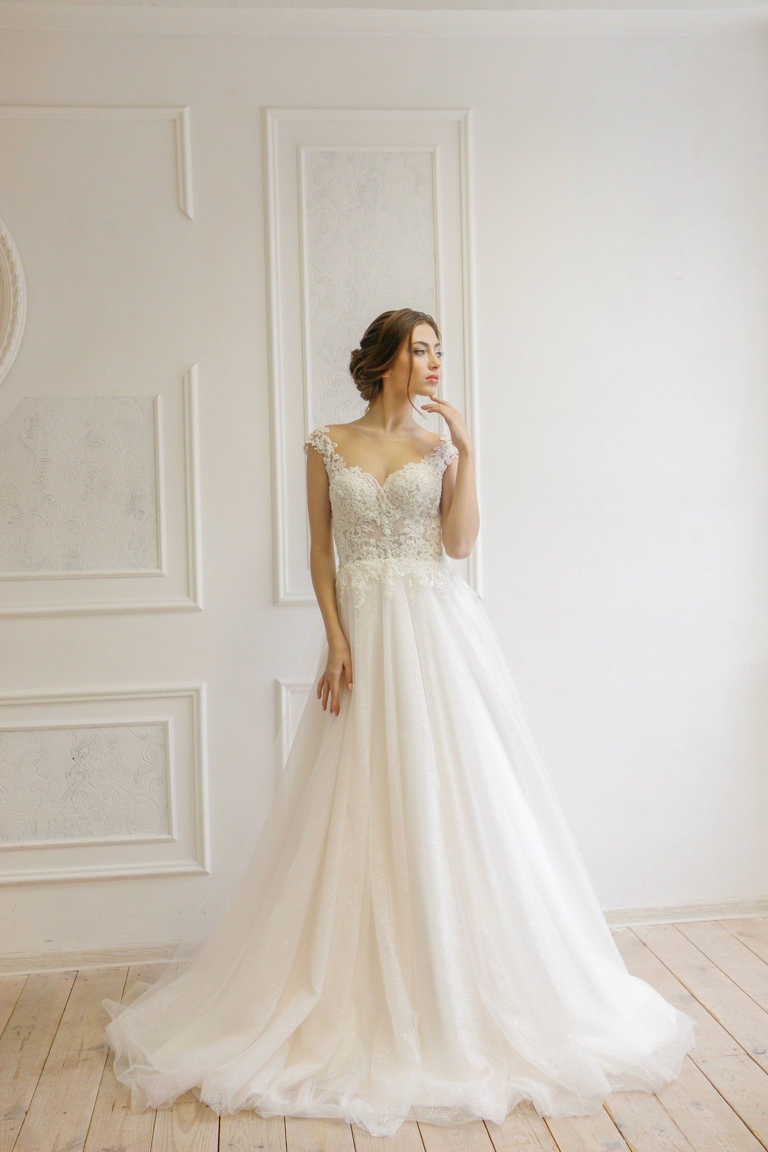 15 Wedding Dresses Under 1000 Dollars Perfete In 2020 Wedding Dresses Lace Etsy Wedding Dress Wedding Dresses