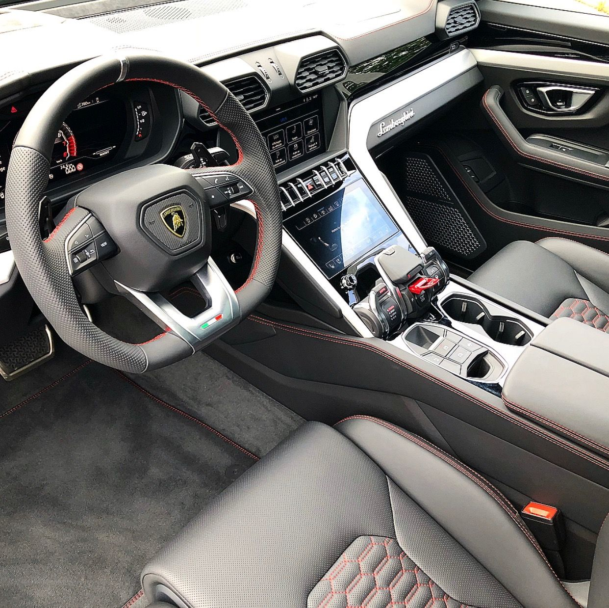 Interior of the Lamborghini Urus painted in Nero Noctis
