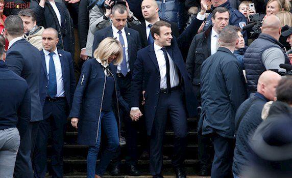 Centrista derrota extrema-direita: Macron é o novo presidente da França, indica projeção de boca de urna