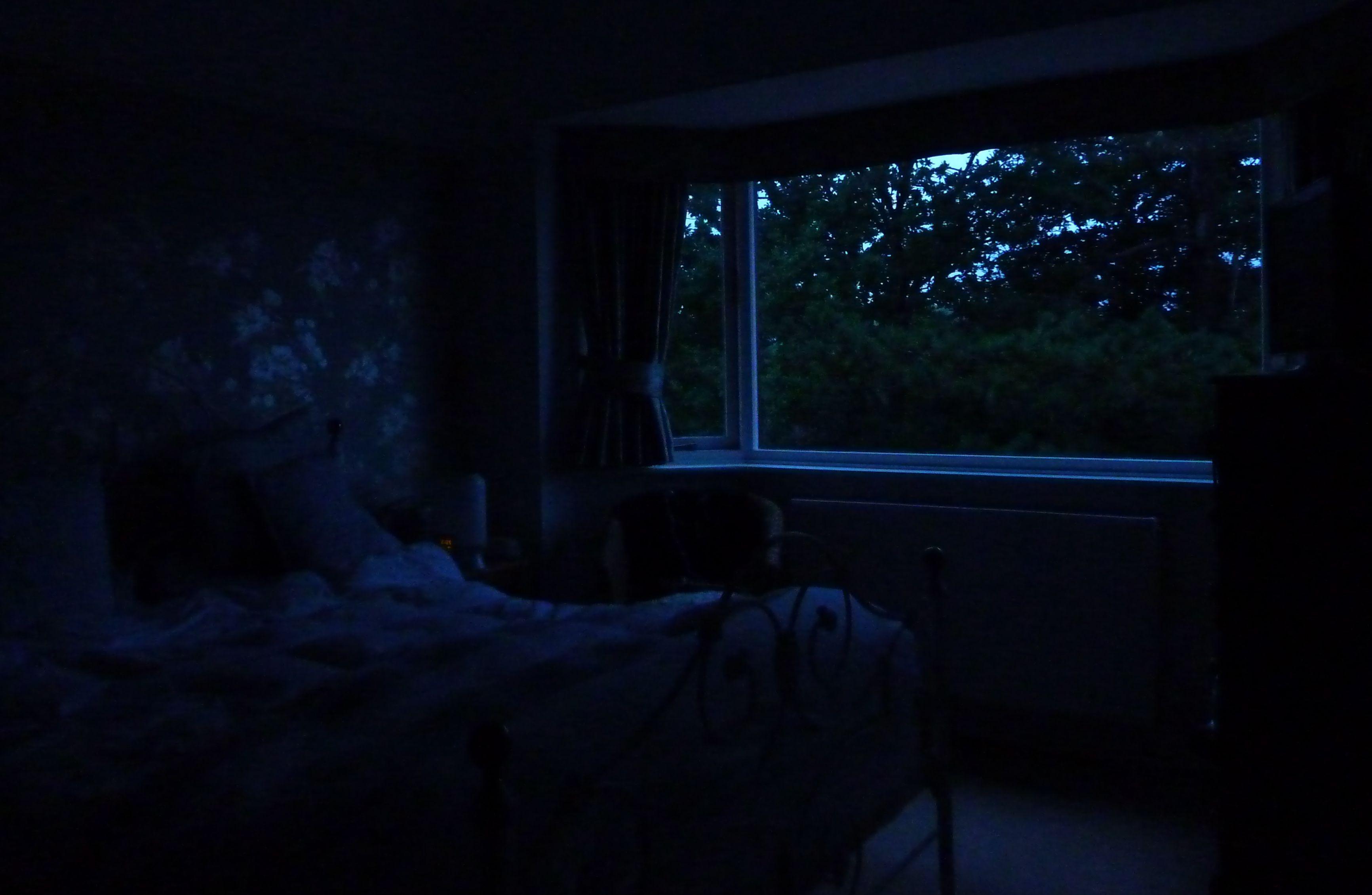 Dark 3465 2259 lighting research pinterest for The family room nightclub