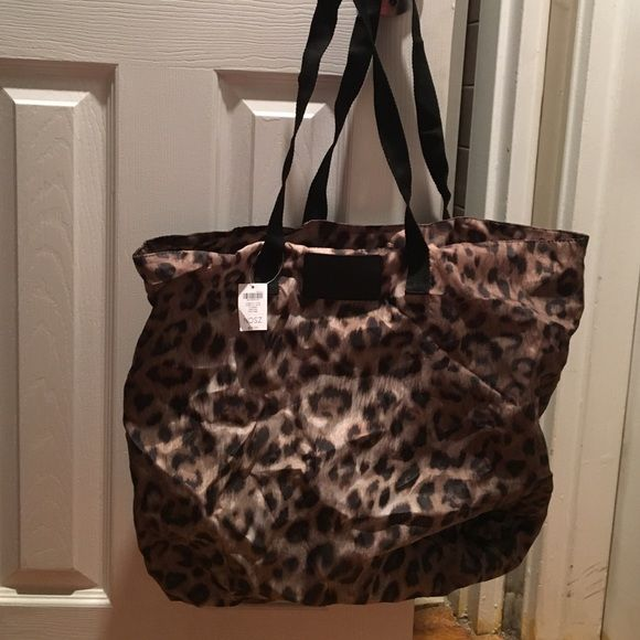 3a254437c97d Chico's leopard print bag Adorable leopard tote Chico's Bags Totes ...