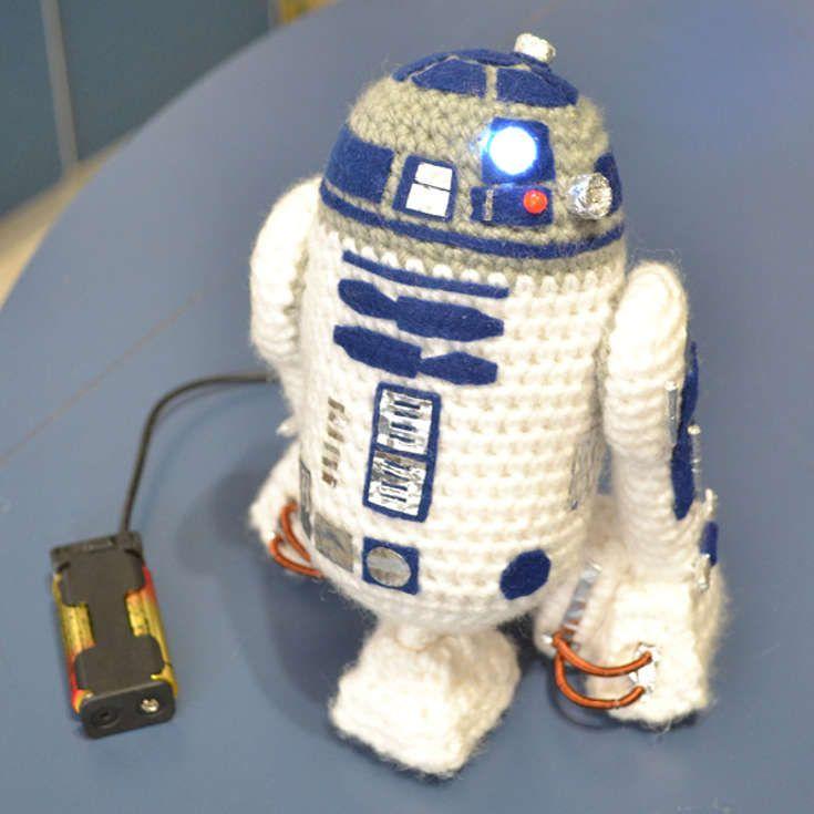 Grab This Super Cute Free R2d2 Star Wars Amigurumi Crochet Pattern