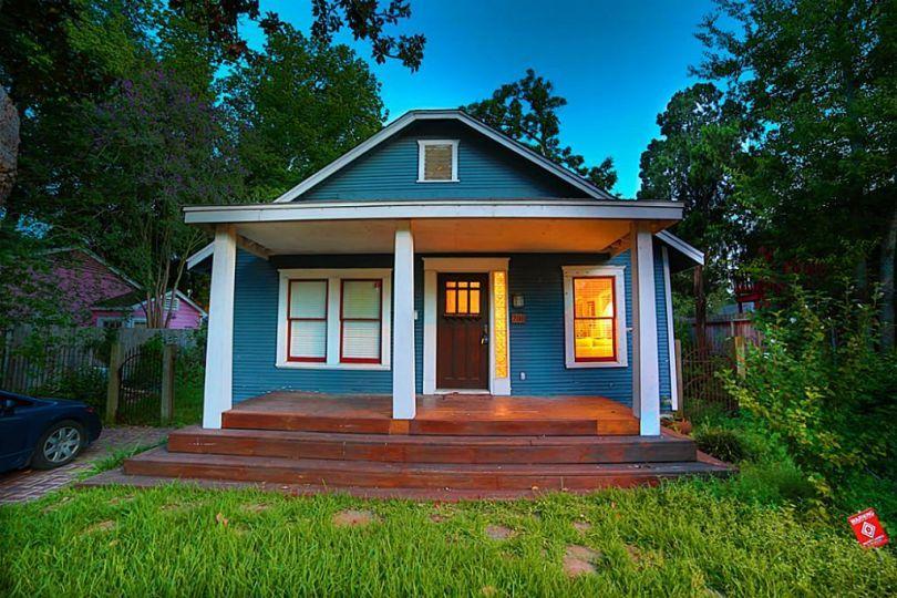 Houston S Tiny Homes Tiny House Historic Homes Home Trends