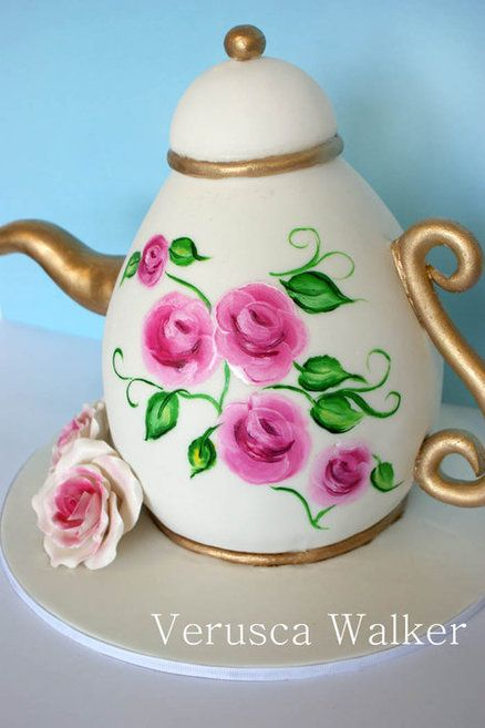 Hand painted Teapot  Cake by Verusca Walker