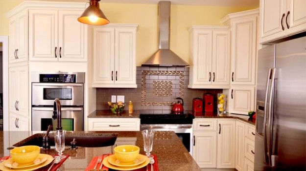 River Run Cabinetry Antique White Modern Kitchen Designs Country Kitchens Ids