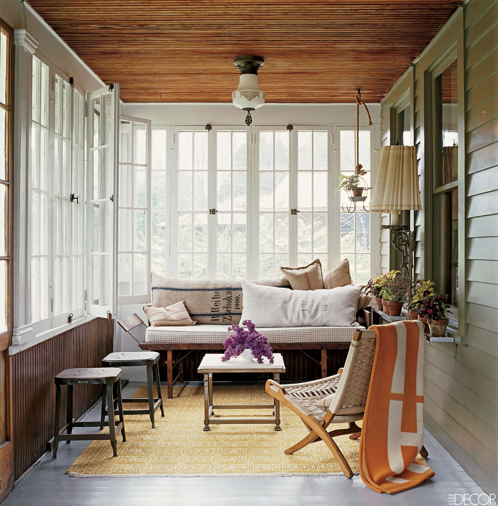 Perfect 18 Bright And Breezy Sunrooms To While Away The Summer