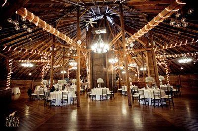 Amazing Barn Reception Vermont Wedding Venues Vermont Wedding Wedding Venues Indoor