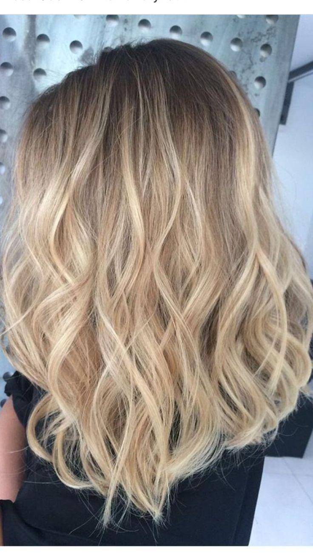 Perfekte honigblonde Balayage-Haarfarbe Voller Kopf Champagner und zarte ... #blondebalayage