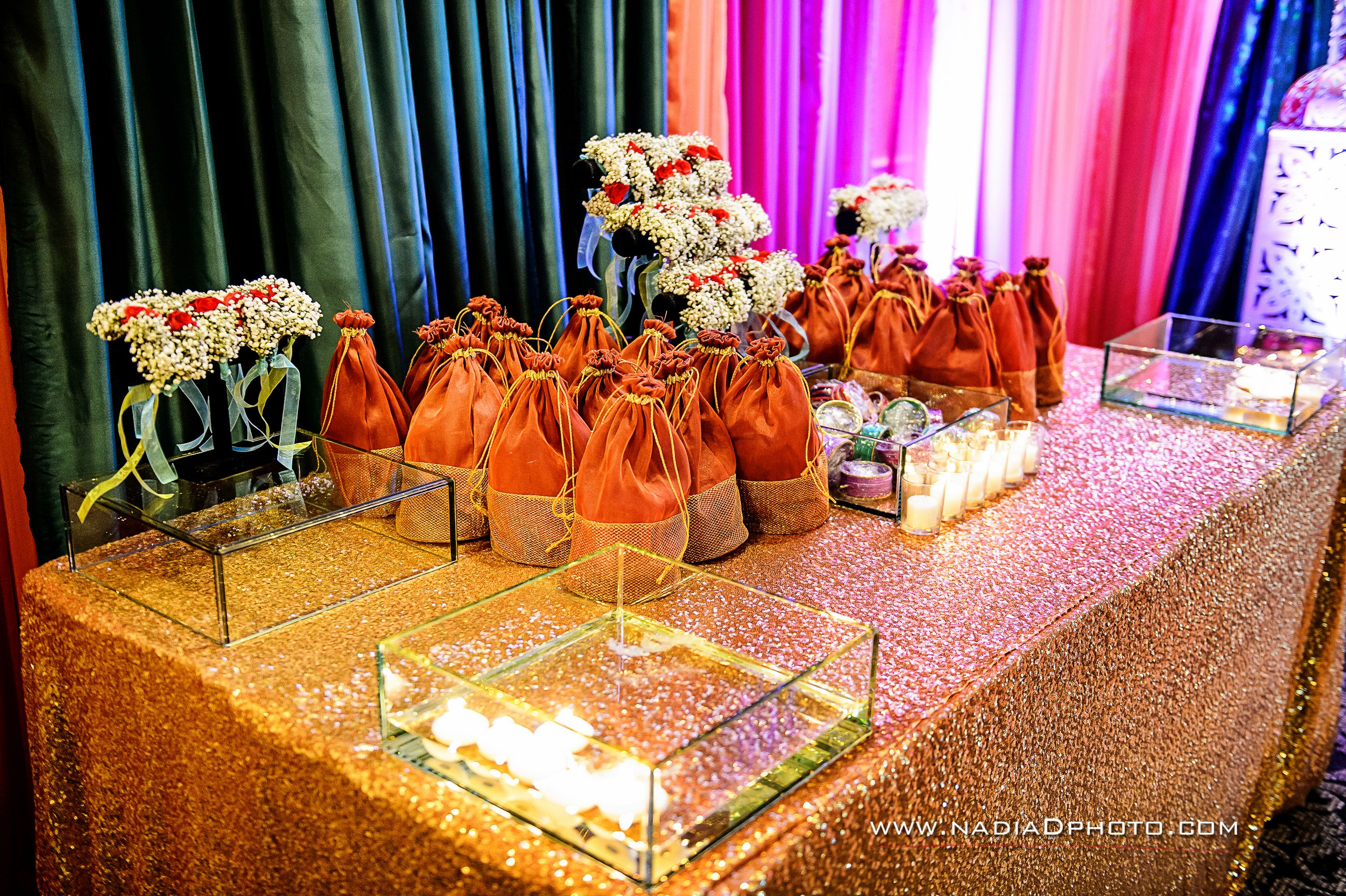 Henna Party Gift Ideas : Ladies sangeet gift table churiyan mehndi favors