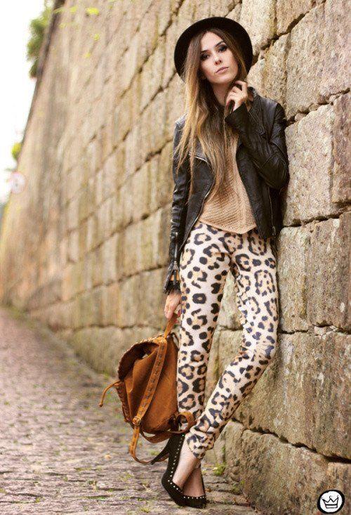 fd4cdac77824b URBAN autumn   animal print trousers  beige top  camel backpack  black hat   black leather jacket