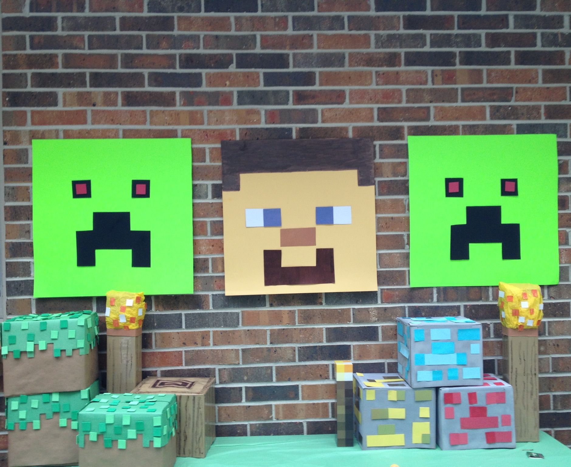 homemade minecraft party deco faces
