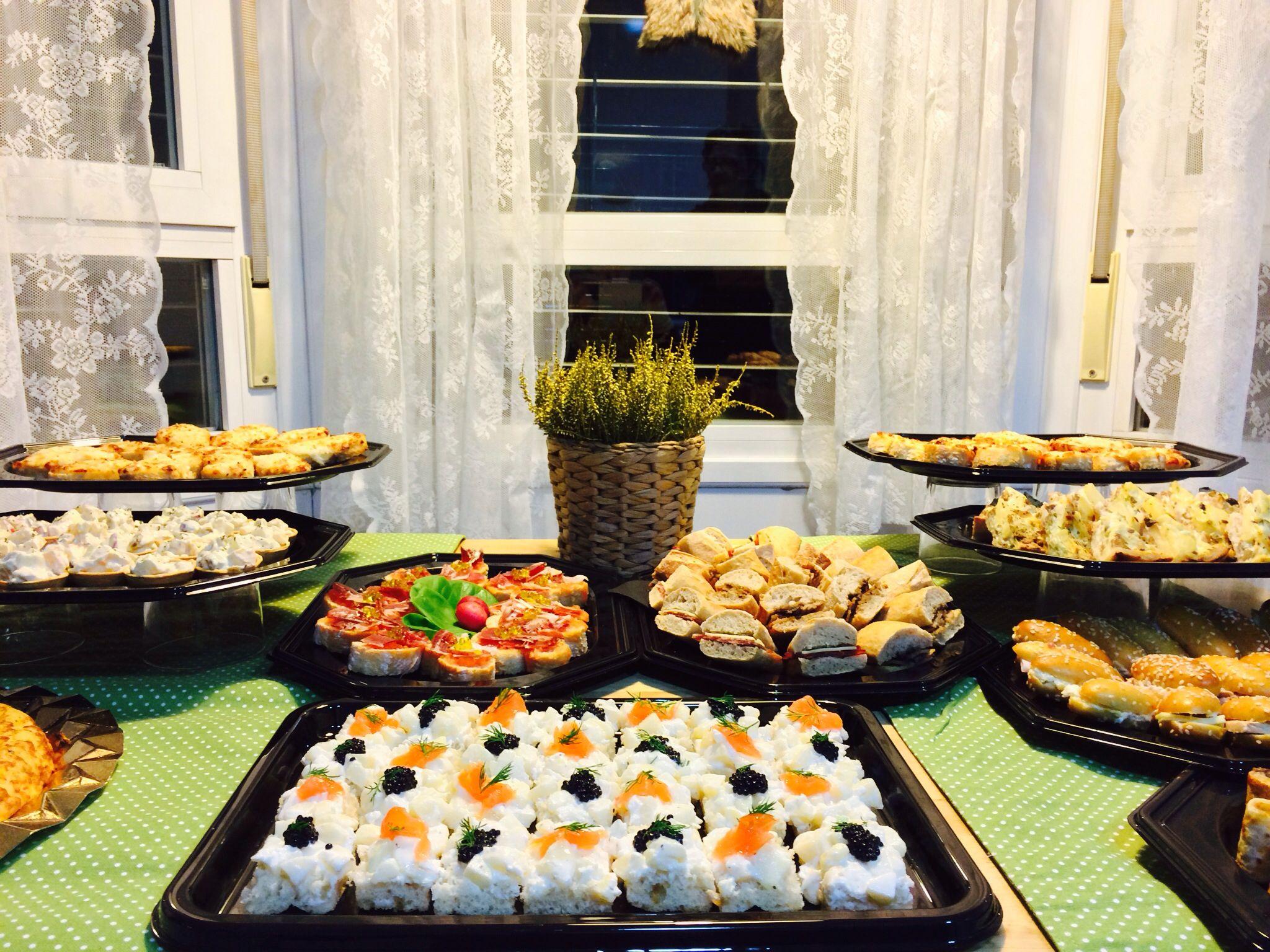 Pinchitos nordicos de salmon y caviar