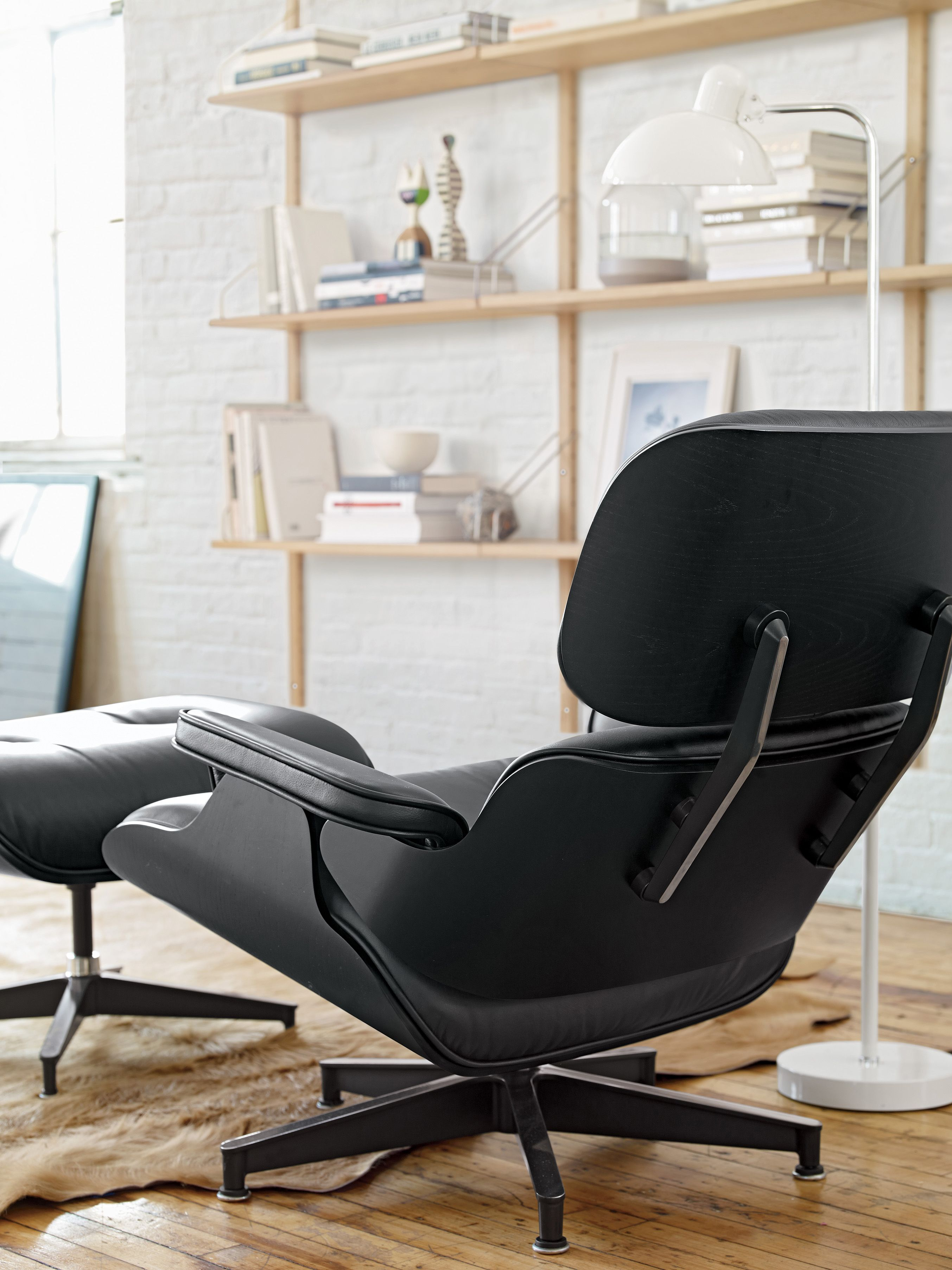 Elegant Black Eames Lounge Chair