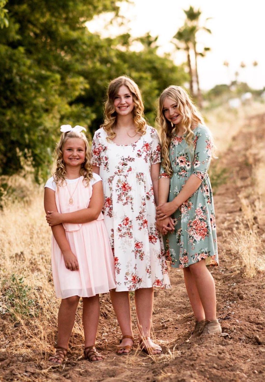 Girls Floral Dresses for Family Photos  Girls floral dress, Women