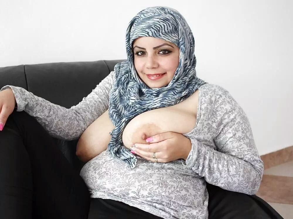 nude arab hijab shower