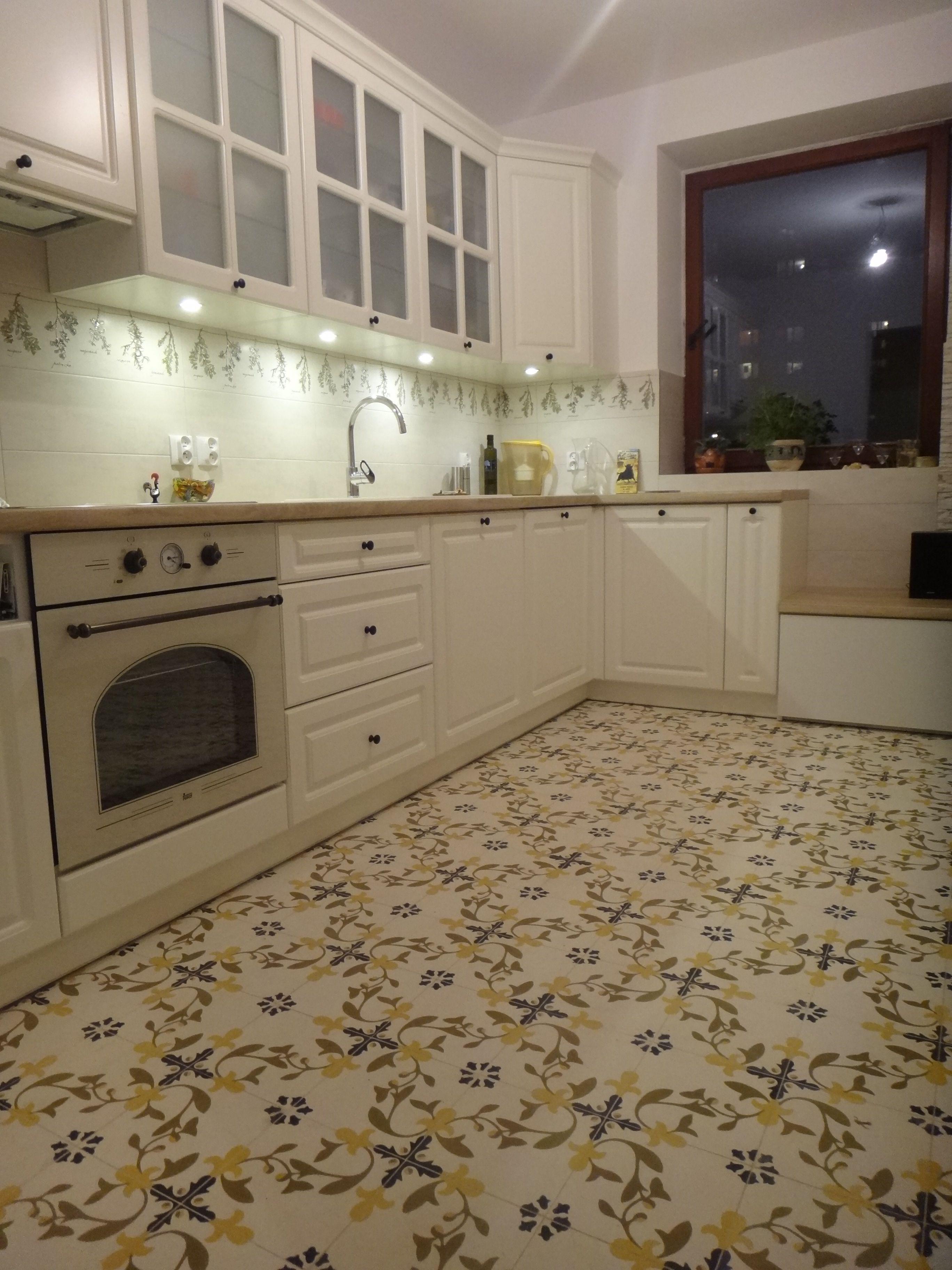 Ewa Frydrychowicz Kuchnia Wylozona Plytkami Cementowymi Cristiano Kitchen Home Decor Decor