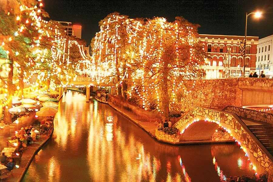 pictures of san antonio riverwalk during christmas Share
