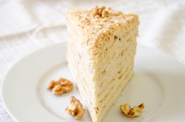 (Medovik Cake) – Tort Medovik