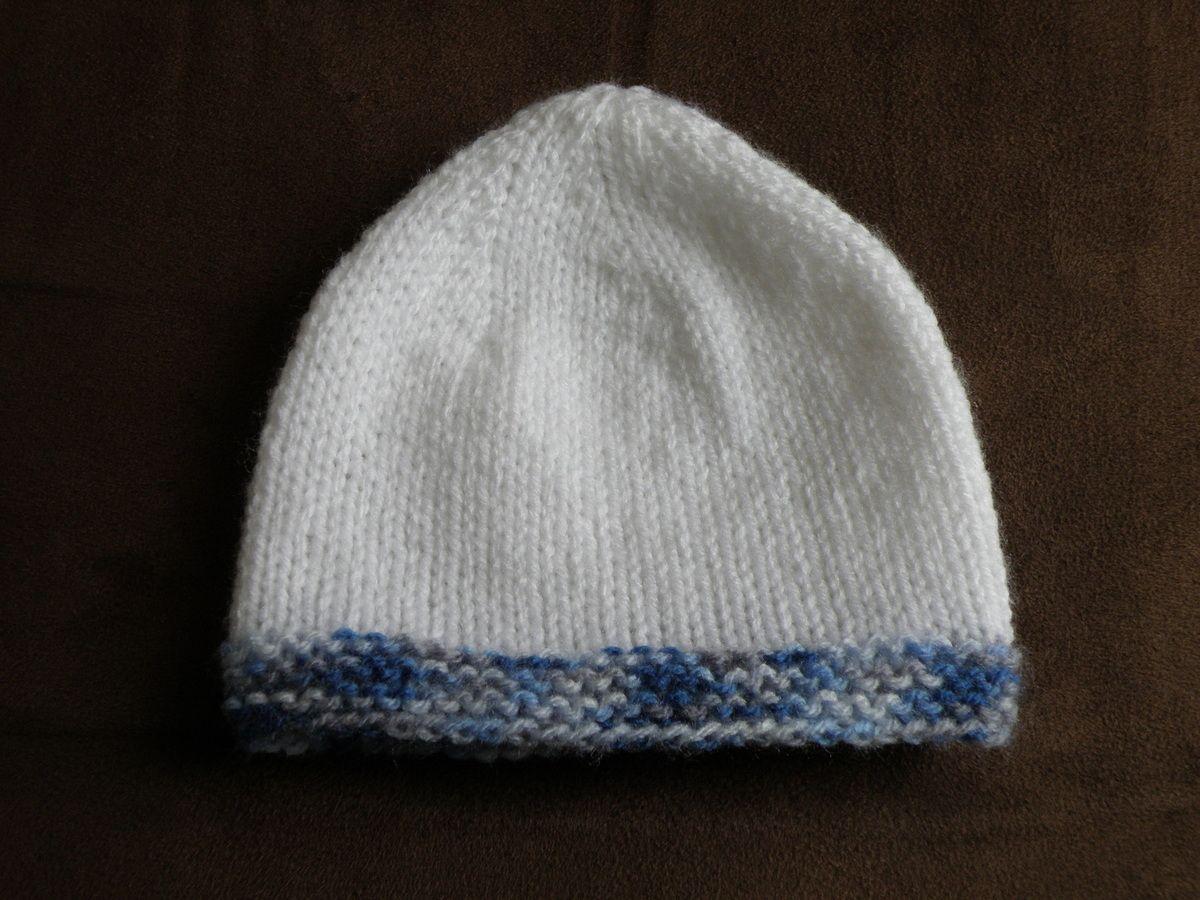 878c602c60c81 Bonnet 0-3-6-12 mois aig N°4,5 | tricot facile | Tricot bébé, Tricot ...