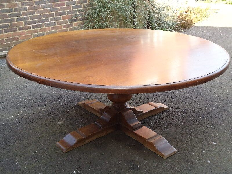 Breathtaking Large Round Dining Table Seats 6