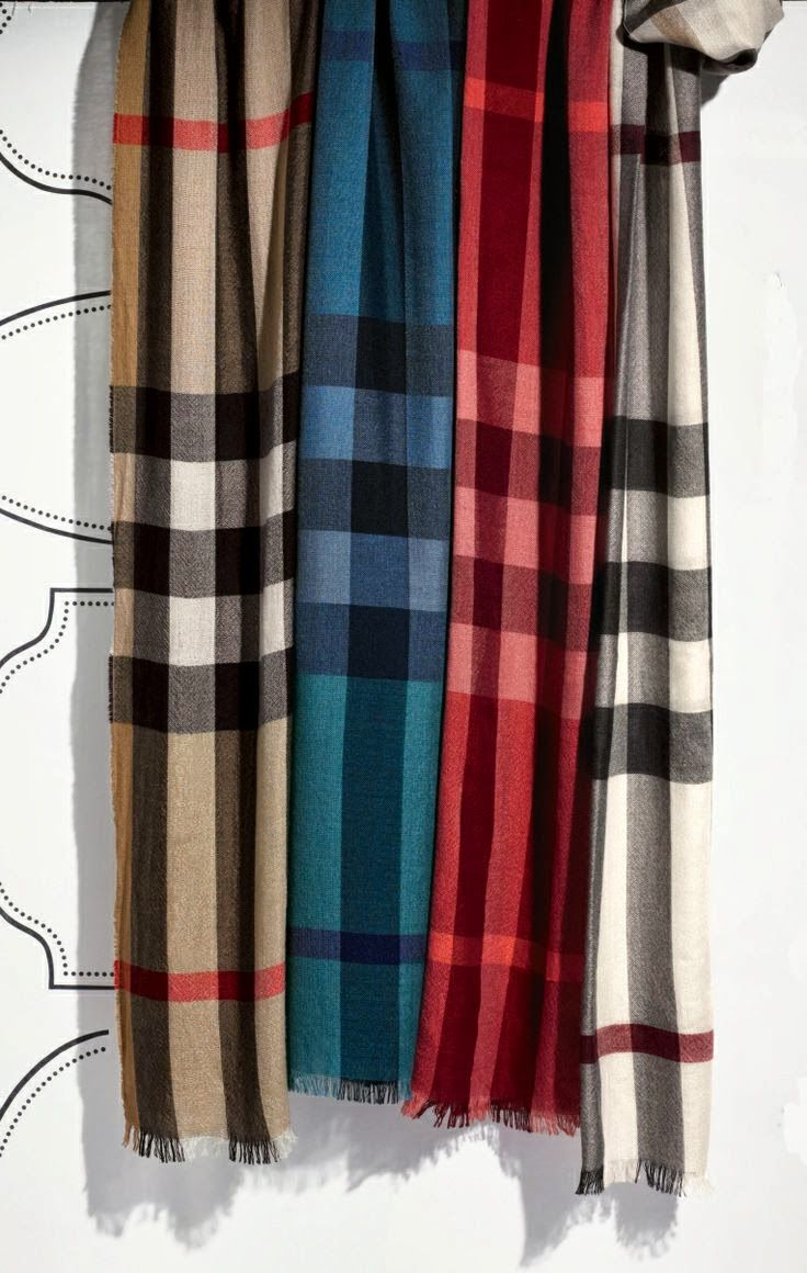 Burberry Scarf With 4 Different Colors   fashion   Burberry scarf ... 3e3f059c6de