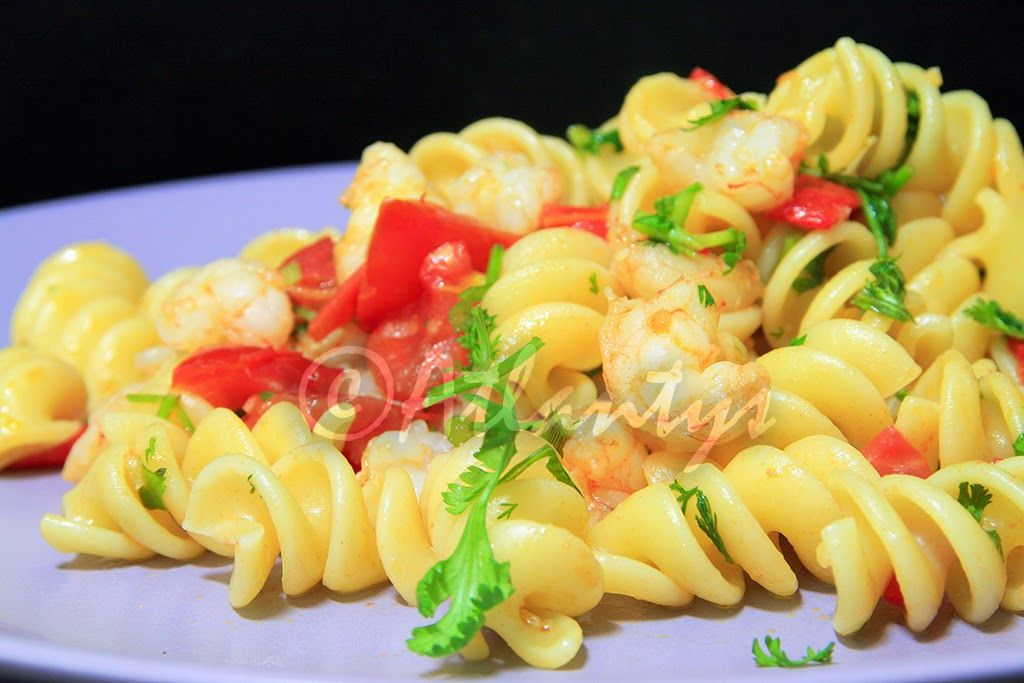 Terapia do Tacho: Fusilli com camarão e pimento vermelho assado (Fusilli with shrimp and roasted red pepper)