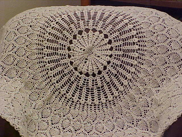 Free Pineapple Tablecloth Patterns Crocheted Round Tablecloth