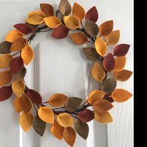 "Photo of 18 ""felt Christmas wreath – green felt leaves and holly berries – modern Christmas wreath – unique Christmas decor – made to order"