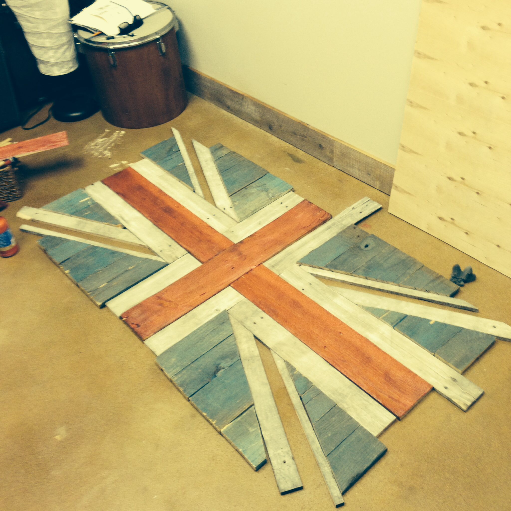 British Flag made from old pallets, cut with a hand saw | Pallet Art ...