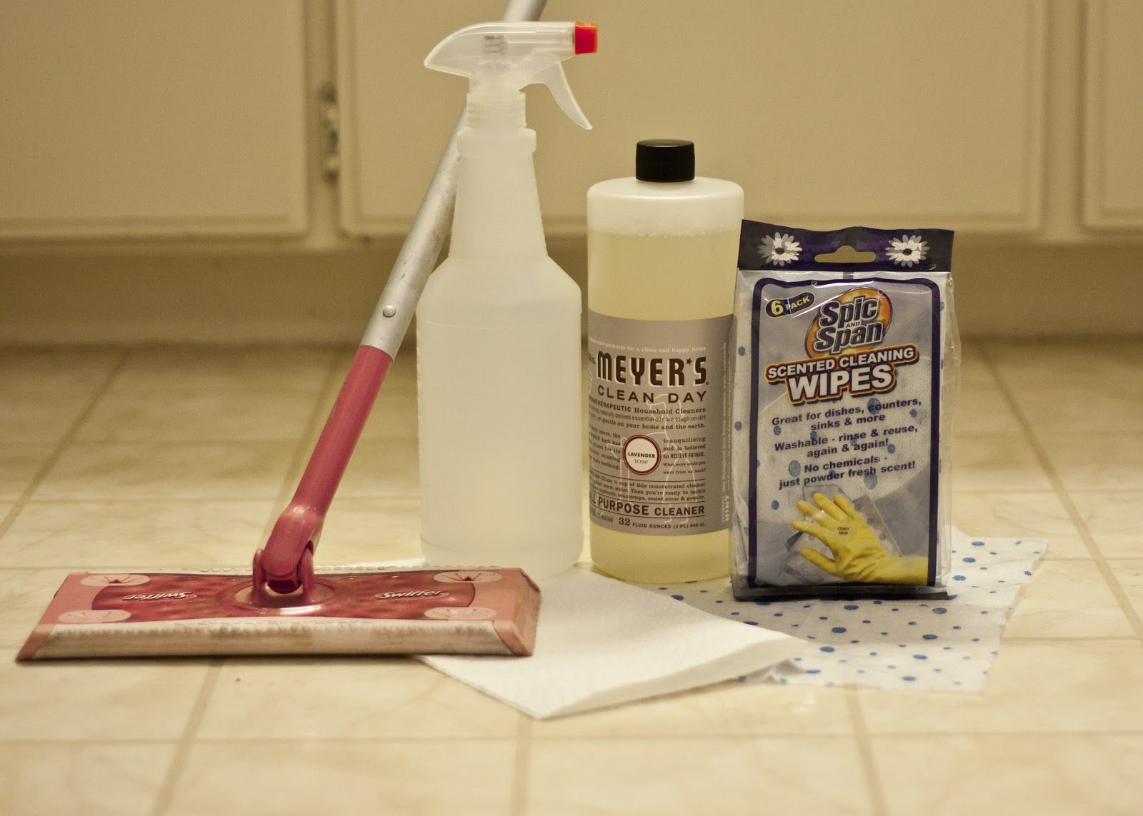 Diy Swiffer Wet Wipes Diy Household Cleaners Meyers Cleaning