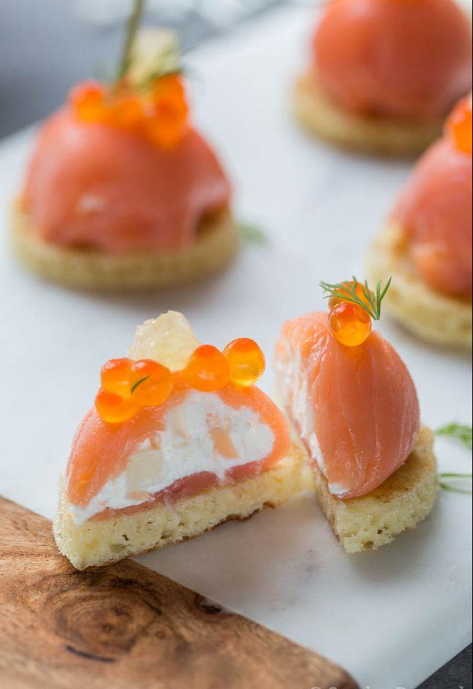 Dômes de saumon fumé au fromage frais et fenouil - Recette d'apéritif festif