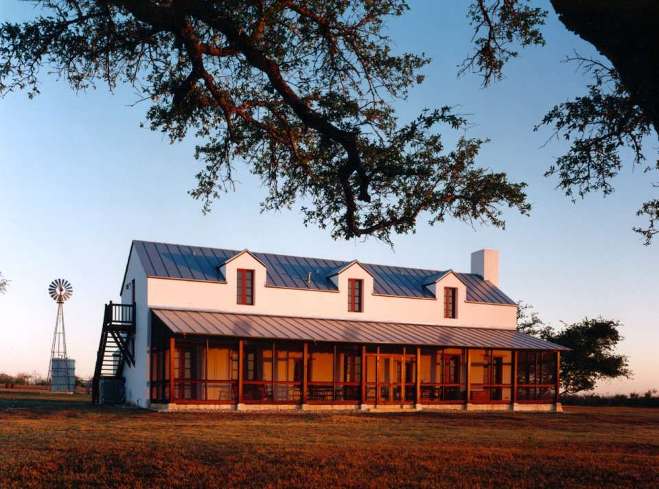 Country homes in Texas embrace modern design | future farmhouse