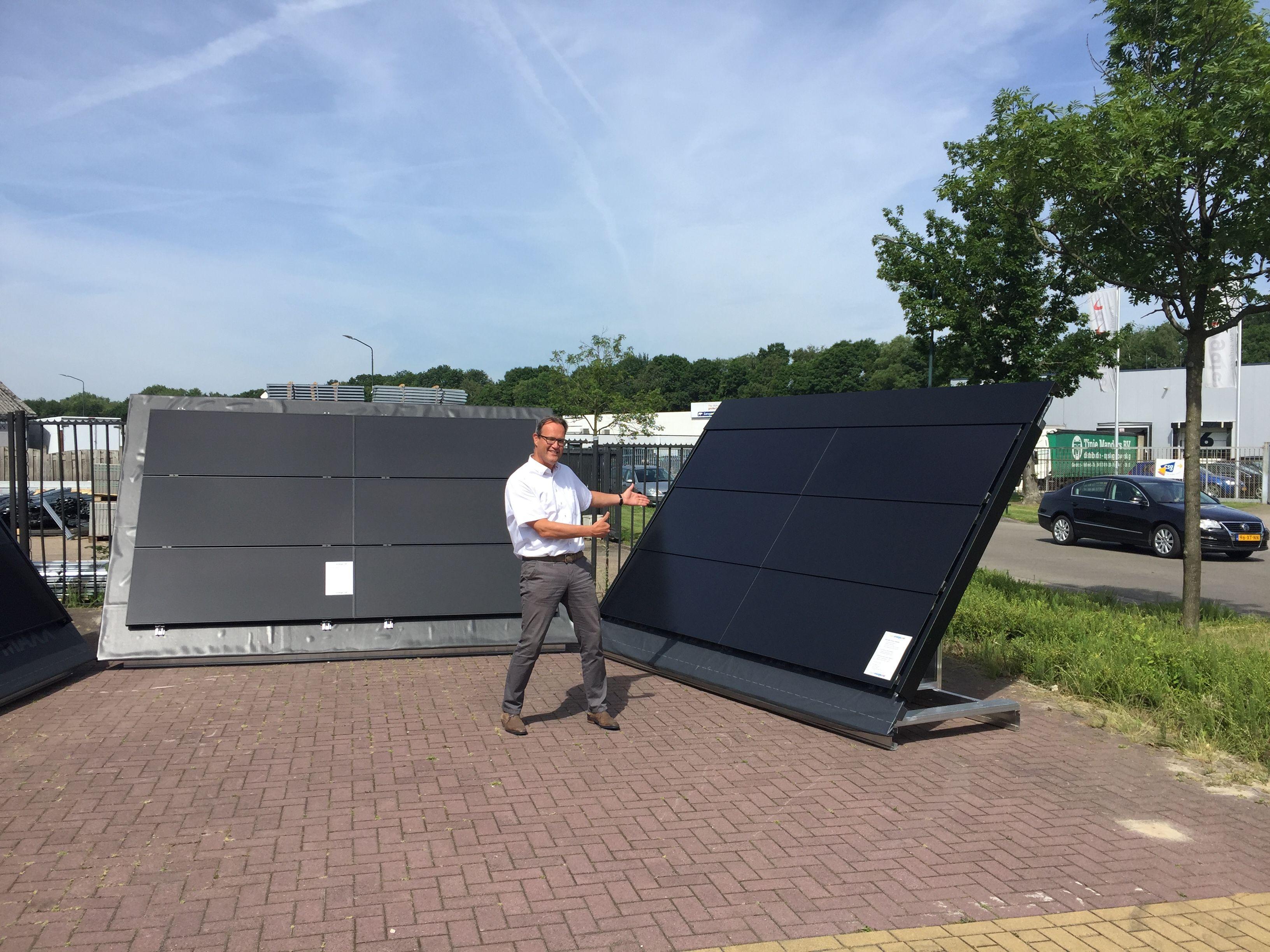 Ceo Of Eigenenergie Net Presenting The Simply Better Aesthetics Of Stion Frameless Cigs Modules Renewable Solar Roof Solar Panel Solar Panels