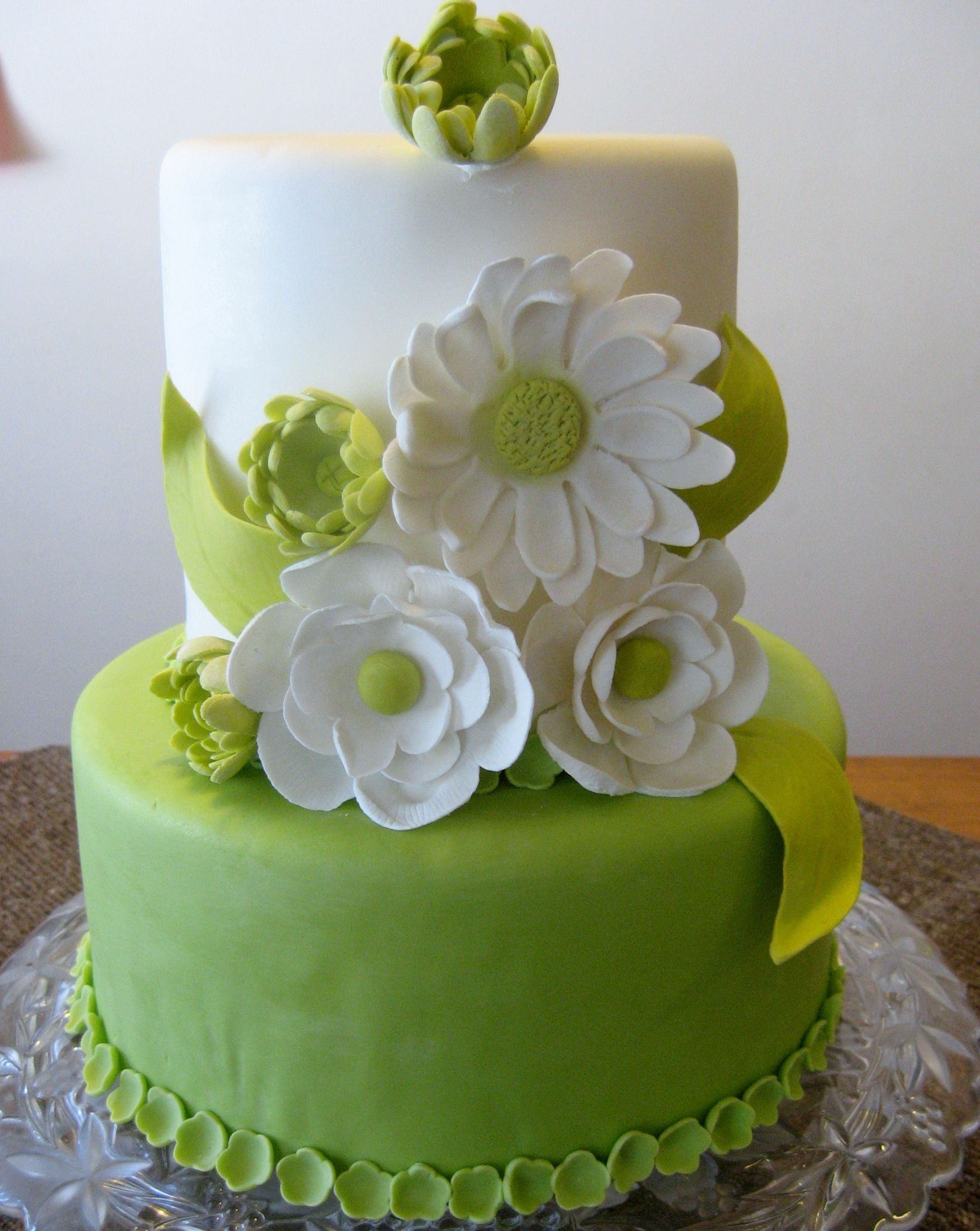 Lime Green Cake With Gumpaste Flowers With Images Birthday