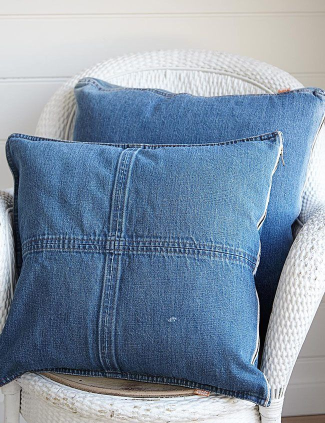 Claves para tapizar con jeans tus muebles y darles un toque juvenil