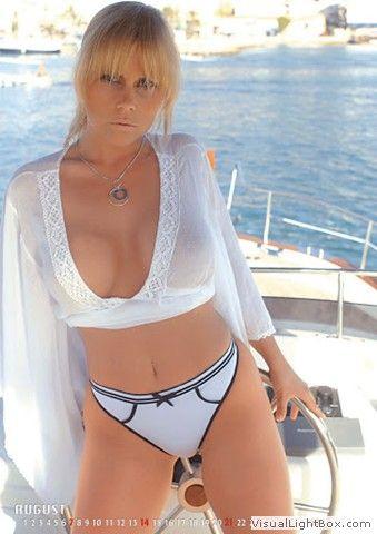 Pornostar Gina Wild Im Weißen Bikini Gina Wild Pinterest Sexy