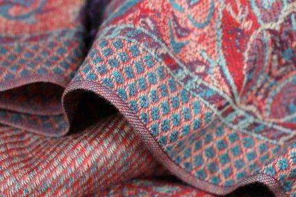 352d589d54b6 Pashmina quelle couleur     Quelle couleur, Roses rouges et Rouge bleu