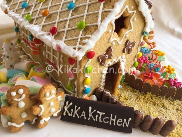 Casetta Di Natale Con Biscotti : Casetta di pan di zenzero o di pasta frolla recipe ricetta