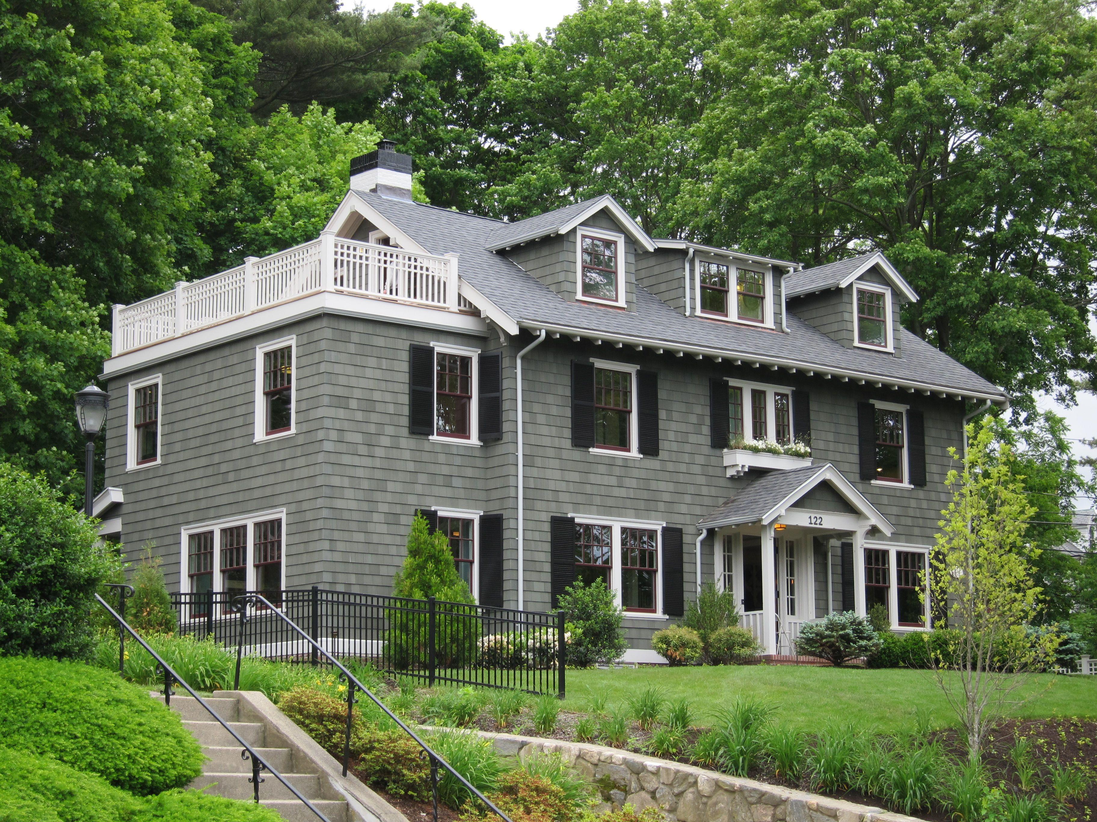 Colori Per Esterni Di Case : House colors green with black shutters renovations pinterest
