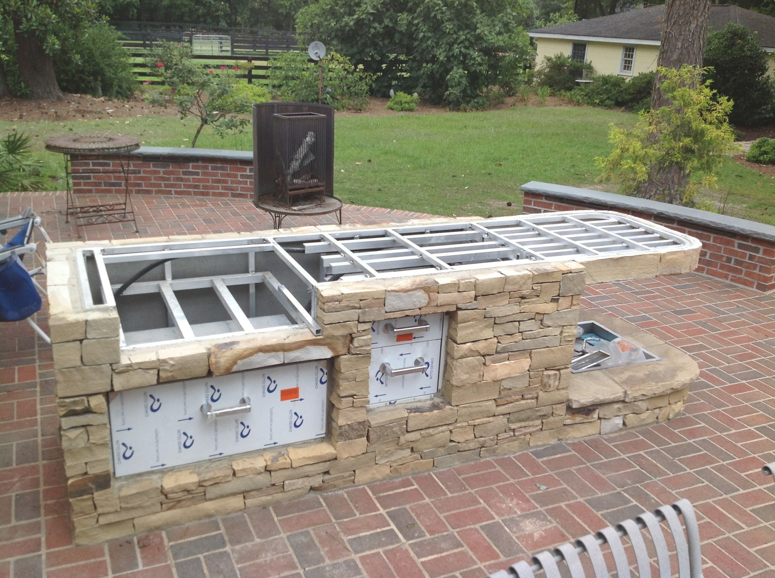 Diy outdoor kitchen kits  how to build a outdoor great how to build outdoor kitchen pertaining