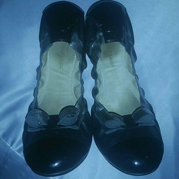 Ballet flats Black Ferragamo ballet flats. Ferragamo Shoes Flats & Loafers