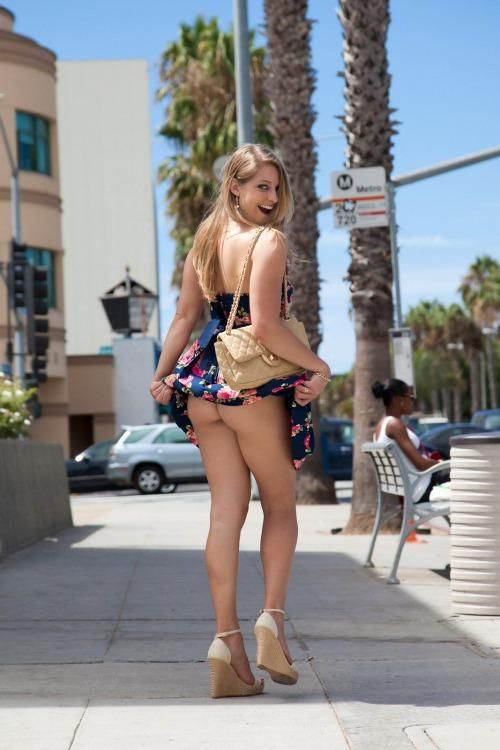 image Girl likes sticking things up her ass