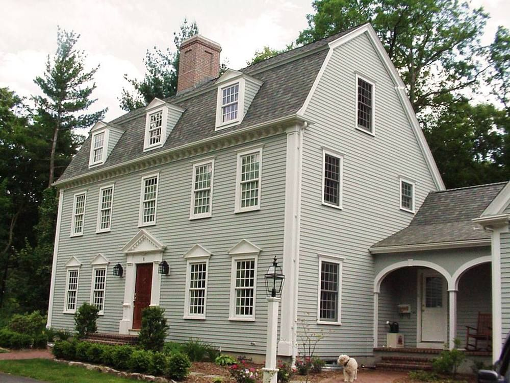 Love This Color Combo On This Saltbox Colonial Exterior Colonial House Saltbox Houses