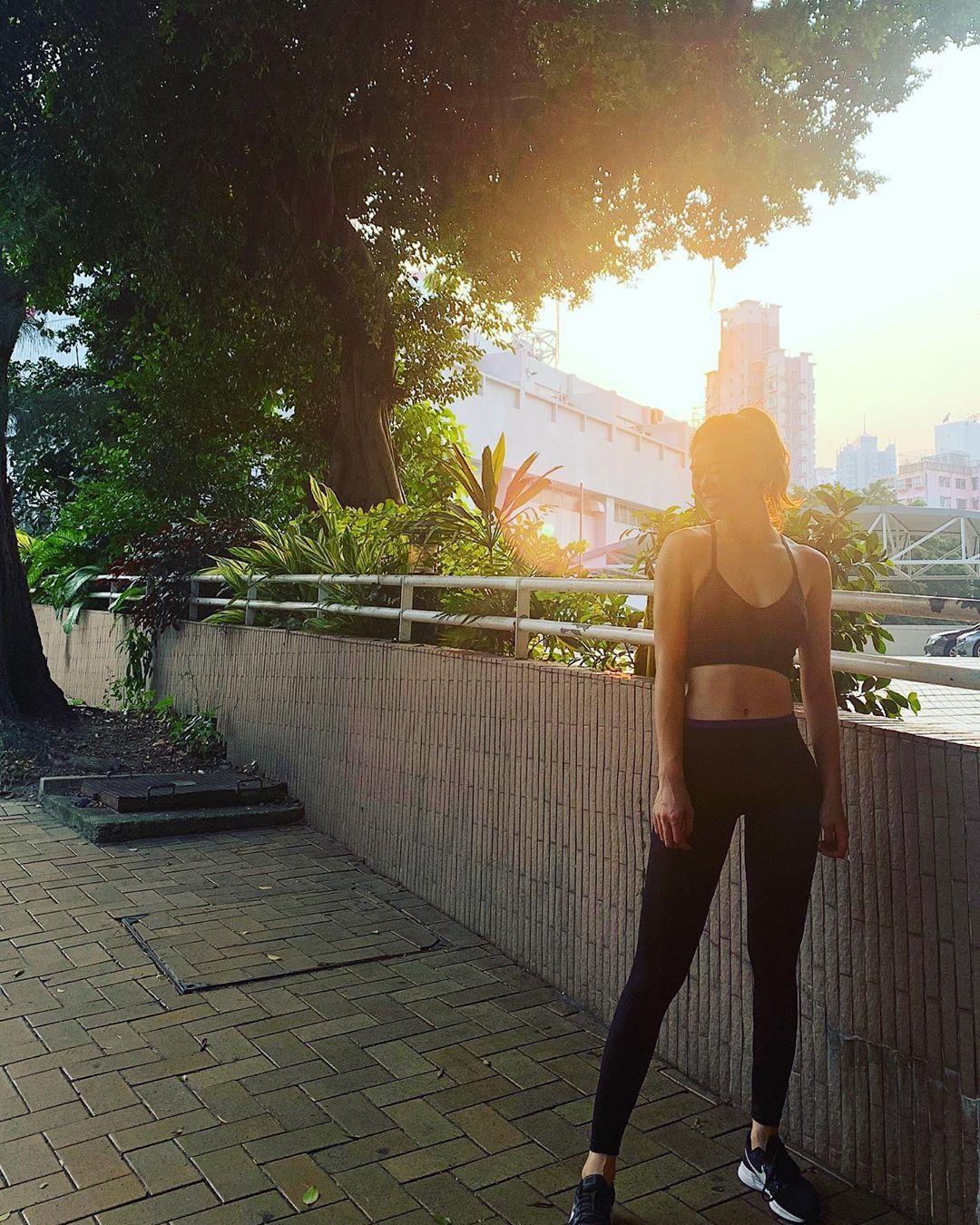 Friday Sunset Friday Gym Fitness Hongkong Sunset Fitnessgirl Shanghainese Lifestyle Instagram Sporty Ootd Lookoftheday