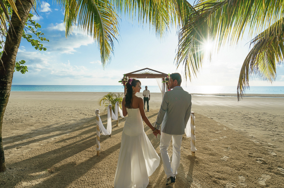 A Beautiful Destination Wedding Ceremony At S Swept Away In Negril Jamaica
