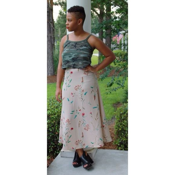 "New Item  Neutral Floral A Line Skirt A Line Skirt. Elastic Band. Zips up in the back. Measurements: Waist 26""- 30"" Hips 42"" [Model's Measurements: Waist 29"" Hips 40""] Skirts A-Line or Full"