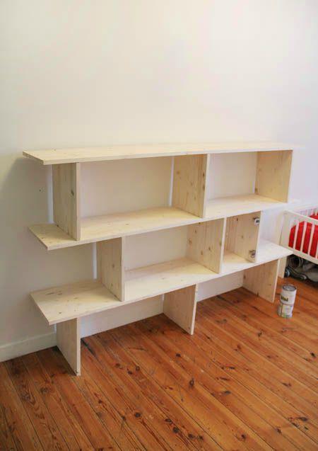 bricolage maison une tag re sur plusieurs niveaux. Black Bedroom Furniture Sets. Home Design Ideas
