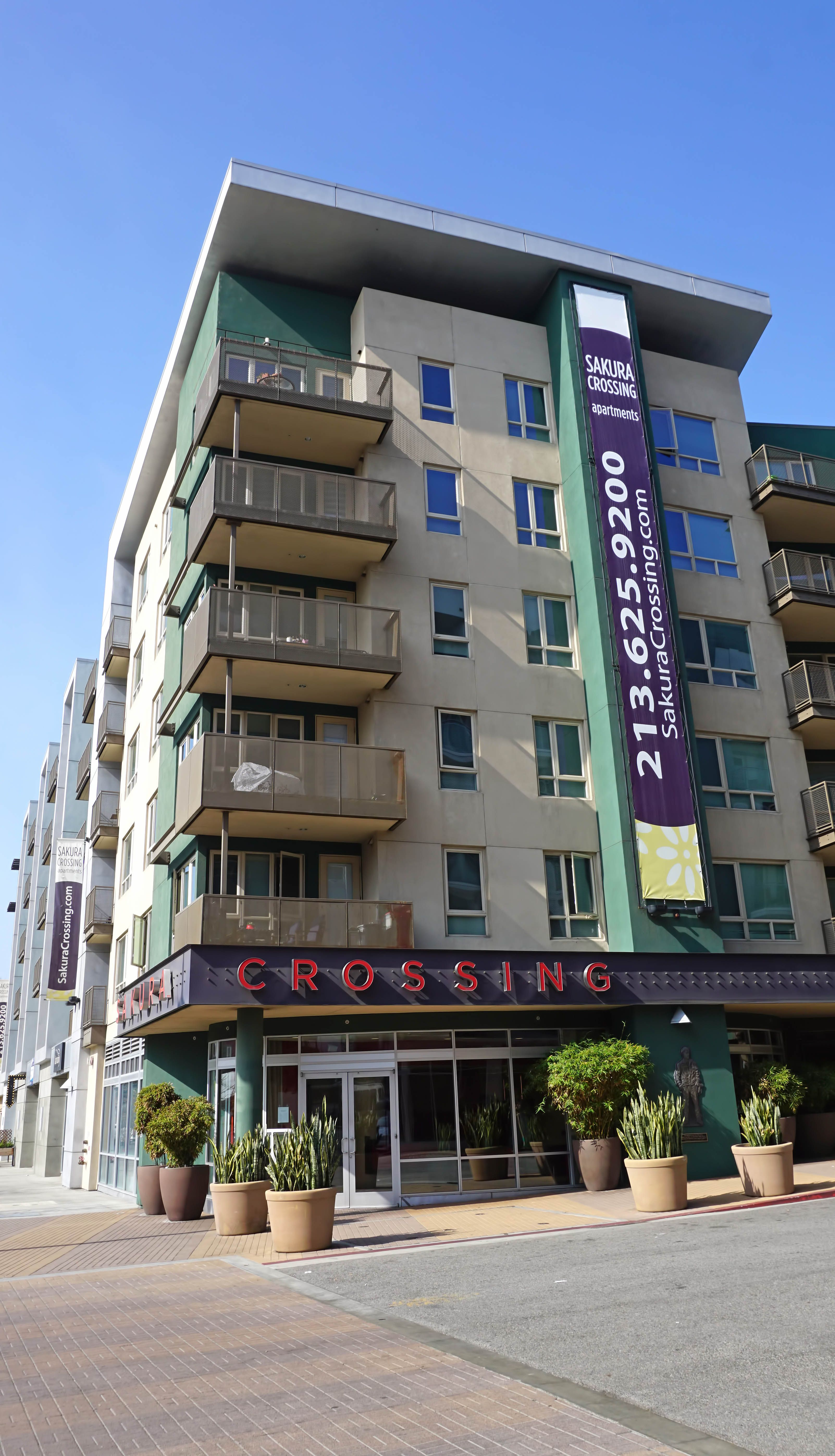 Sakura Crossing Apartments Offer An Urban Elegant Design In The Heart Of The Lively And Exciting Little Tokyo N Tokyo Neighborhoods Coastal Cities Santa Monica