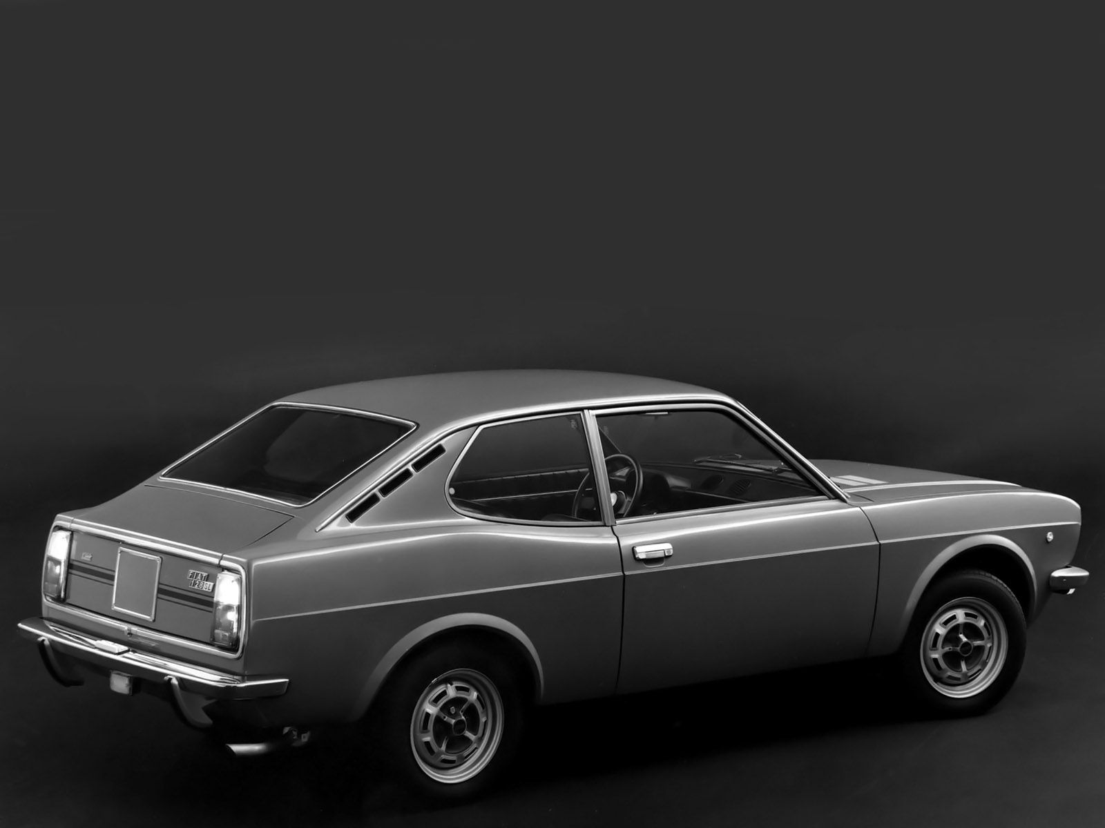 Black White Fiat 128 Coupe Sl 1971 With Images Fiat 128