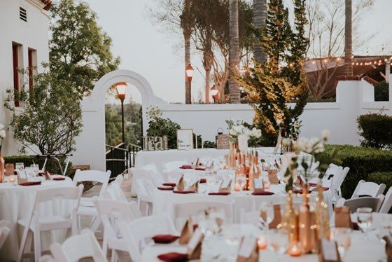 Neutral Wedding Decor Goes Well With The Outdoor Setting Colette S Events Orange County Caterers